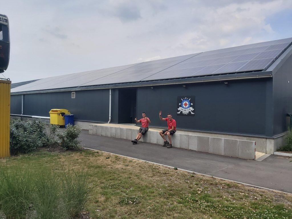 Rensol realisatie met zonnepanelen op het dak van de Curlingclub in Zemst