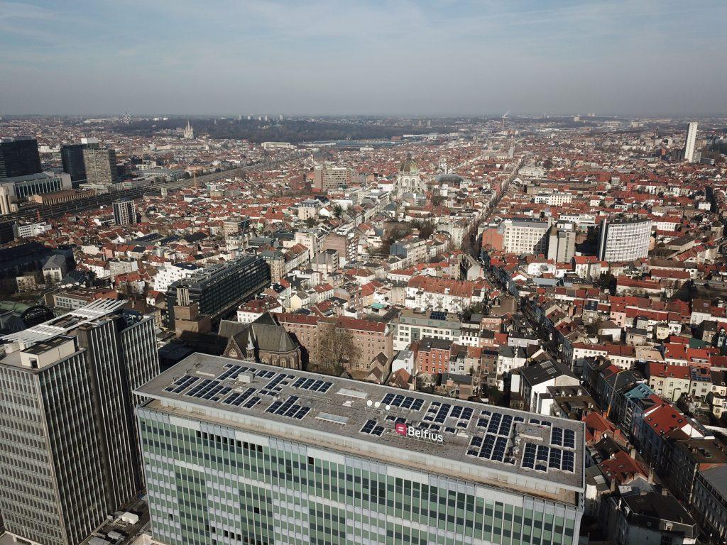 Rensol realisatie met zonnepanelen op het dak van het Belfius Dexia Galileigebouw in Brussel
